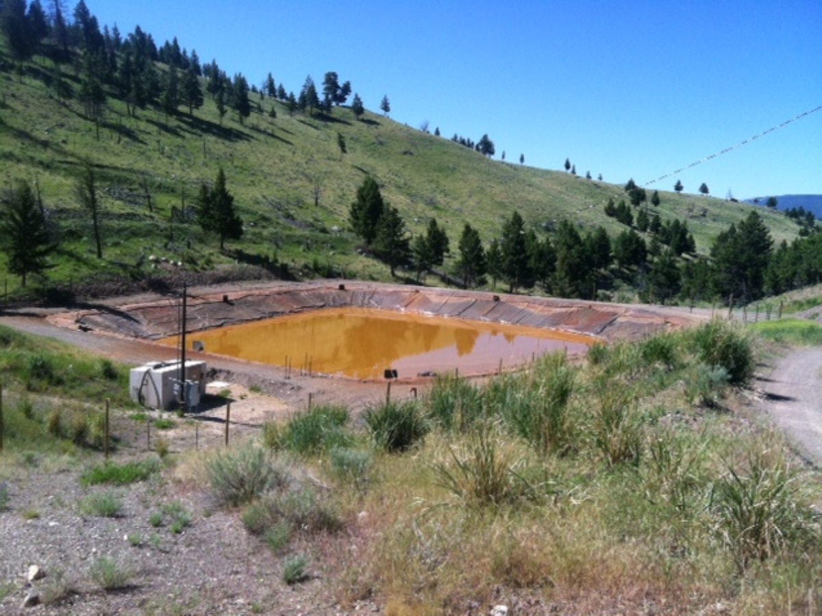 electrocoagulation and ultrafiltration to clean mine tailings