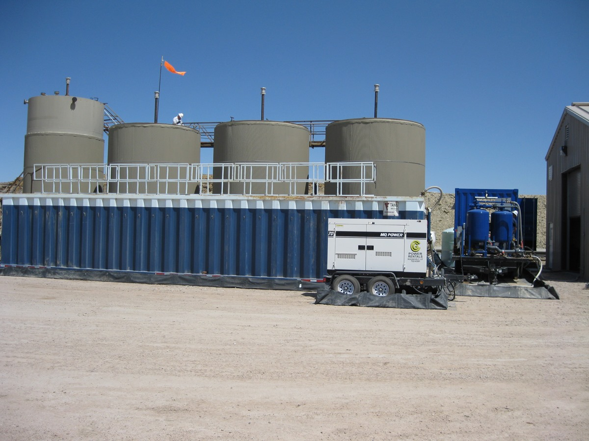 treating produced water effluents for disposal