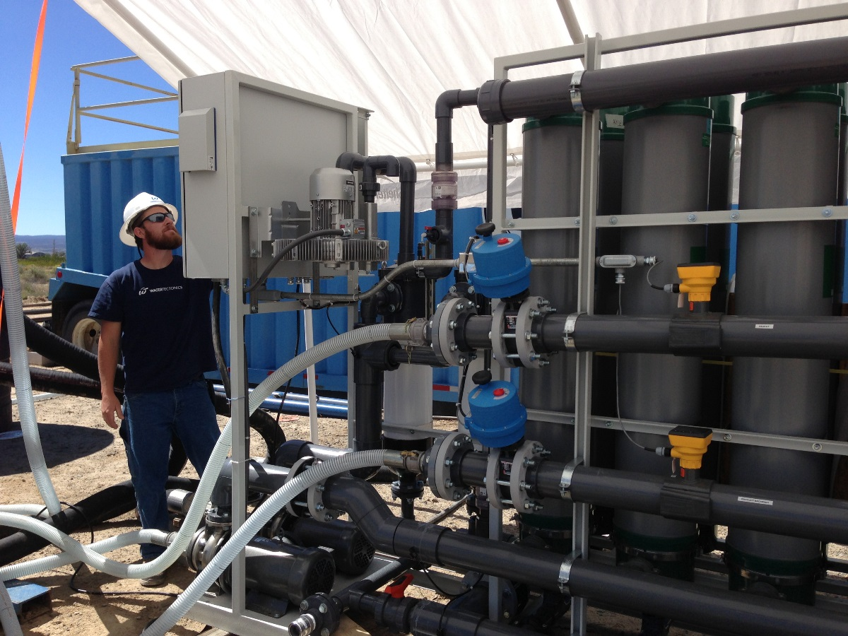 electrocoagulation and ultrafiltration to clean mine